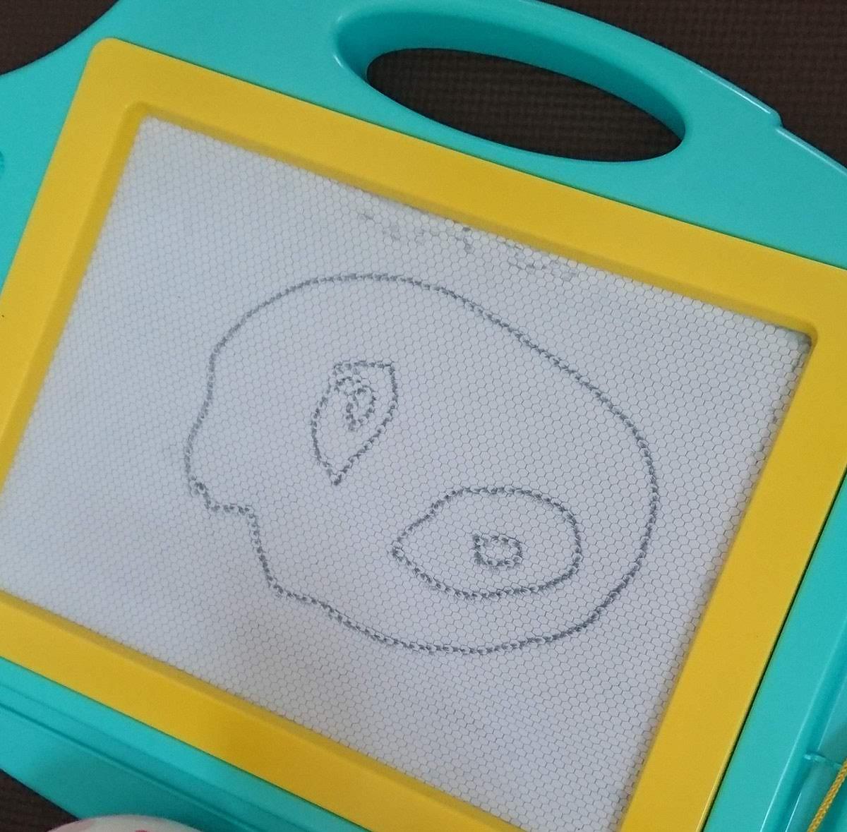 2歳児の描いた絵
